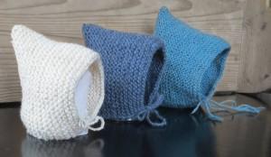 Free knitting patten for a baby bonnet. Scandinavian knit.