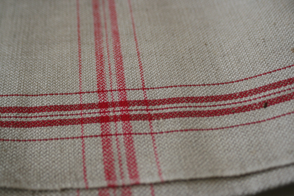 Coarse Swedish vintage linen tea towel